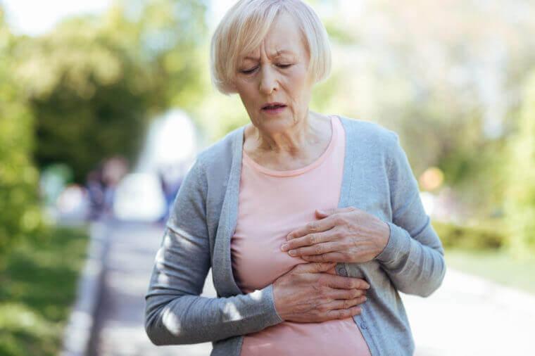 Сердечный приступ у женщины
