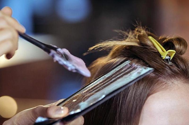 Окрашивание волос увеличивает риск рака